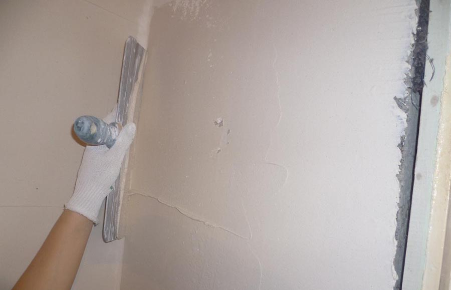 процесс подготовки стены